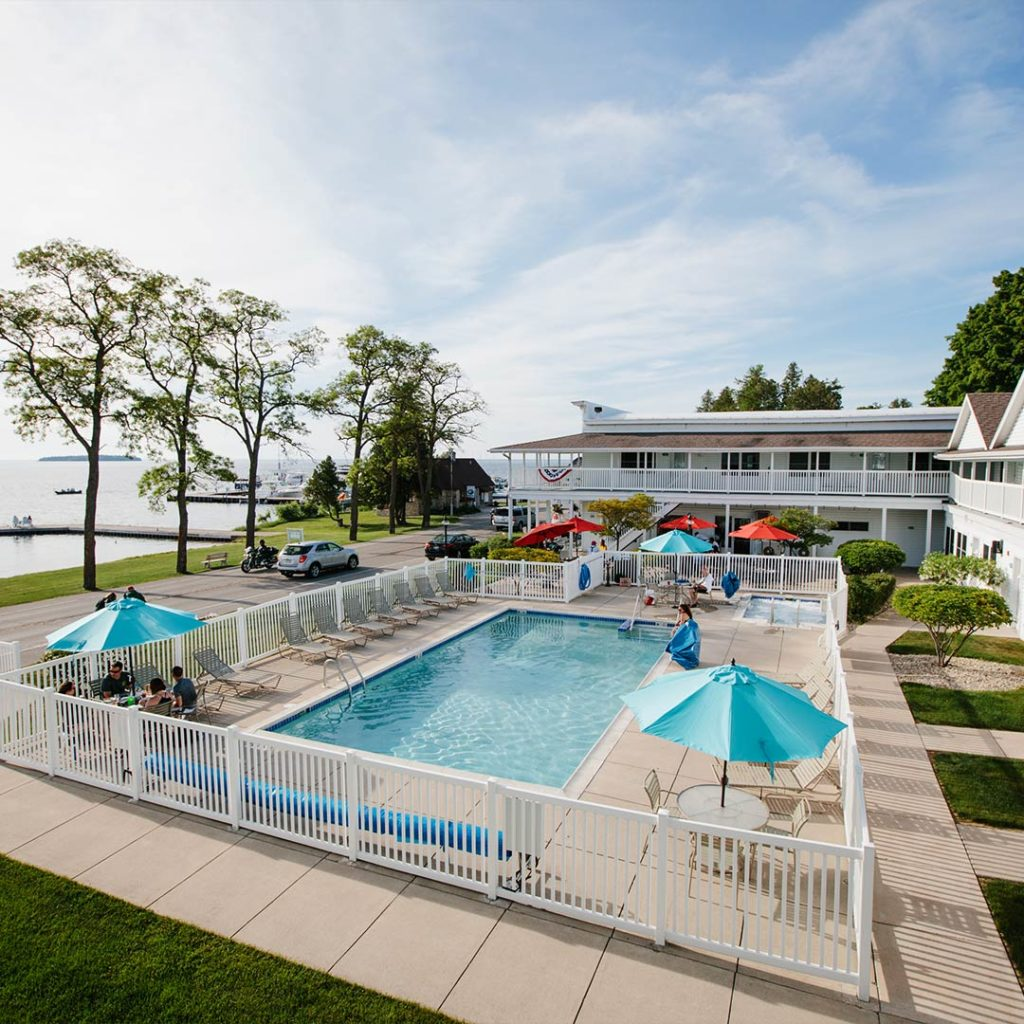 outdoor pool at Edgewater Resort in Door County